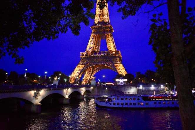 Paris, France, Europe, Travel, Paris in one week, Trocadero, Eiffel Tower, Picnicking at the Eiffel Tower, Metro Line 9